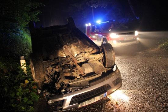 Drei Verletzte bei Fahrzeugüberschlag auf Leombacher Straße