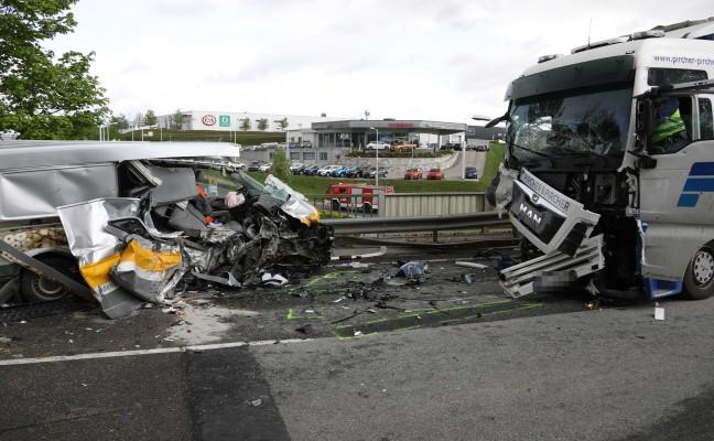 Tödlicher Verkehrsunfall auf Rieder Straße in Tumeltsham