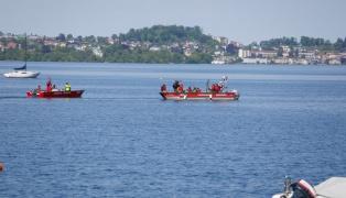 Vermisster (45) bei Suchaktion nach Bootsunfall tot im Traunsee aufgefunden