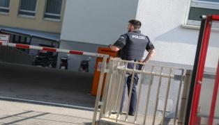 Polizeieinsatz im Klinikum: Schwerverletzter Intensivpatient nach Eifersuchtsstreit mit Umbringen bedroht
