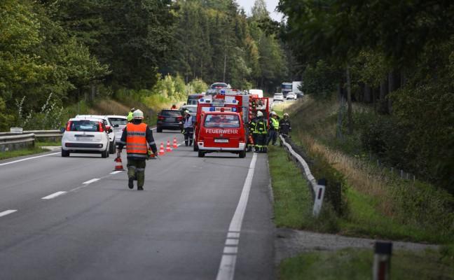 Kollision zwischen zwei Autos auf der Voralpenstraße in Sierning