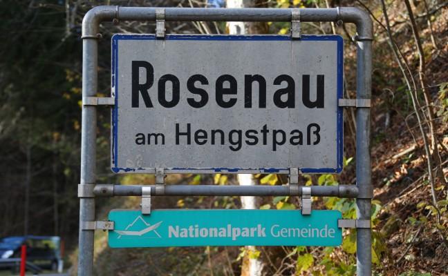 Wanderer abgestürzt: Einsatzkräfte bei Personenrettung in Rosenau am Hengstpaß im Einsatz
