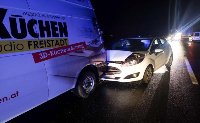 Drei Fahrzeuge bei Auffahrunfall in Freistadt beteiligt