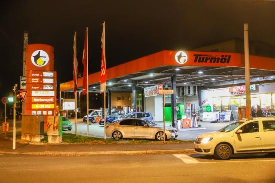 Jugendlicher Tankstellenräuber nach neuerlichem Überfall in Wien festgenommen
