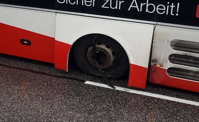Linienbus verlor in Peuerbach während Fahrt einen Zwillingsreifen