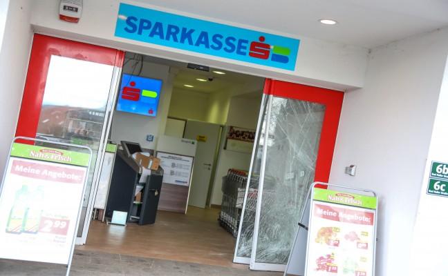 Bankomat aus Foyer eines Nahversorgungszentrums in Waldneukirchen gestohlen