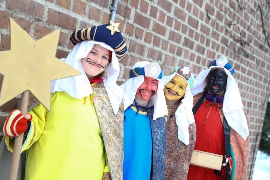 Sternsingeraktion: Als Caspar, Melchior und Balthasar von Haus zu Haus unterwegs