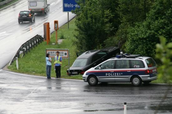 Fahrzeug kam von der Autobahn ab