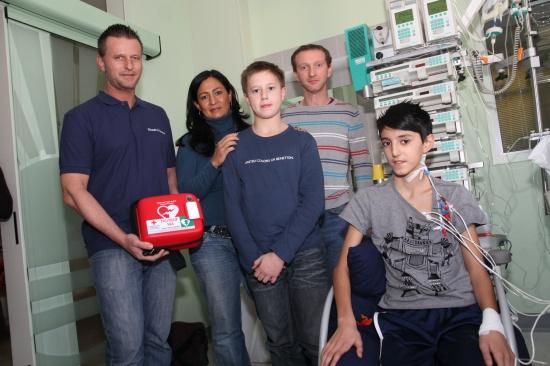 Schüler nach Reanimation im Hallenbad auf dem Weg der Besserung