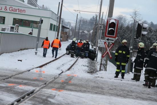 PKW-Lenkerin nach Unfall mit LILO-Triebwagen in Waizenkirchen im Krankenhaus verstorben