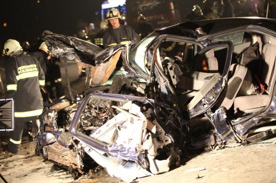 Schwerer Verkehrsunfall in Schlierbach fordert zwei Tote
