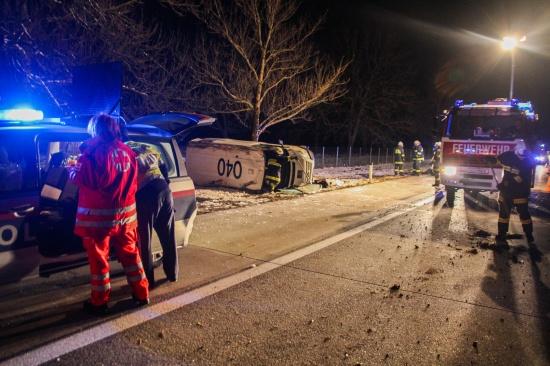 Schwerer Verkehrsunfall mit Geldtransporter auf der Westautobahn