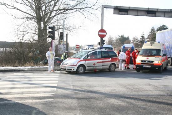 Schwerer Verkehrsunfall auf B1