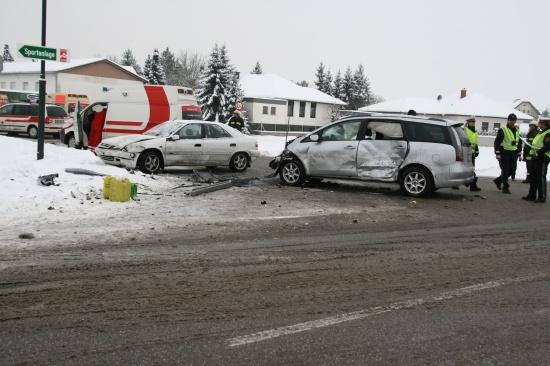 Unfall mit drei Fahrzeugen