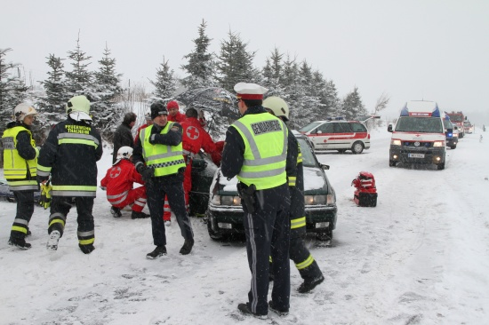 Schwerer Verkehrsunfall in Thalheim bei Wels