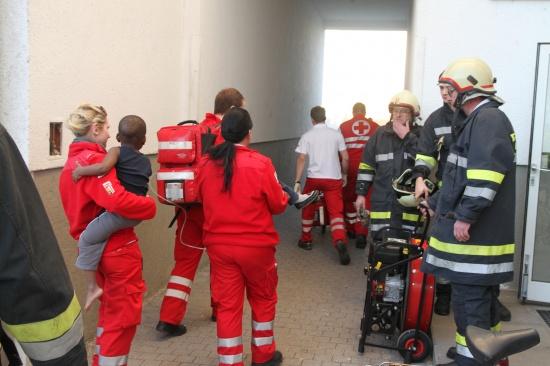 Wohnungsbrand in Wels fordert vier Verletzte