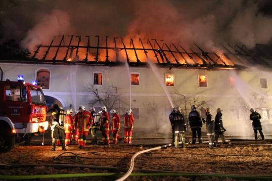 Großbrand auf Bauernhof in Steinerkirchen an der Traun