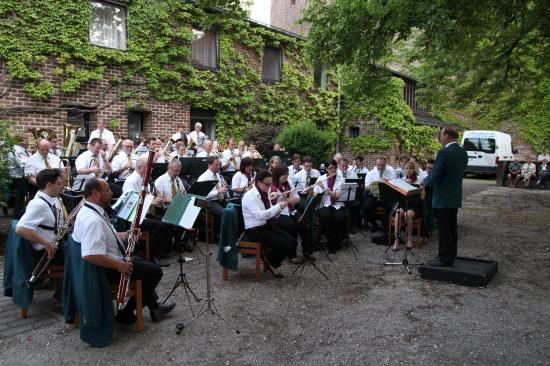Stadtmusik Wels lud zum Stadtteilkonzert in die Pernau