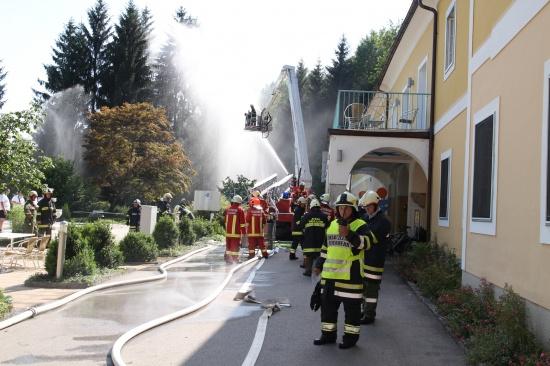 Großübung der Feuerwehr im Moorbad Neydharting