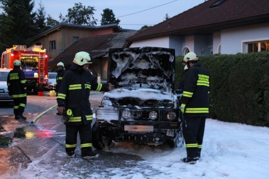 Fahrzeug ging in Flammen auf