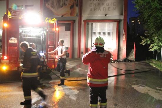 Containerbrand auf Firmengelände