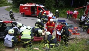 Feuerwehr und Rotes Kreuz übten in Sattledt gemeinsam für den Ernstfall