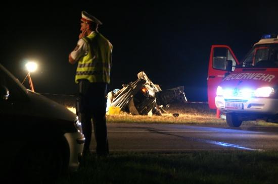 Toter bei Verkehrsunfall auf B122