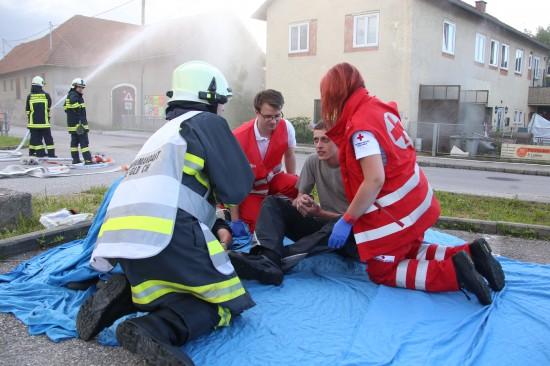 Szenarien eines schweren Arbeitsunfalls in Krenglbach beübt