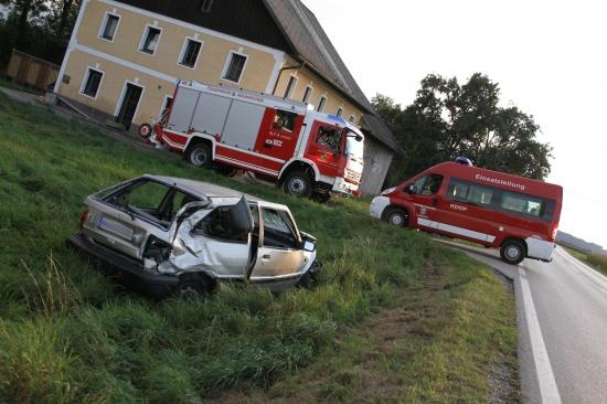 Verkehrsunfall im Abendverkehr auf B1 bei Lambach