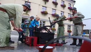 Historische und moderne Einsatzübung zum 120-Jahr-Jubiläum der Feuerwehr Bad Schallerbach