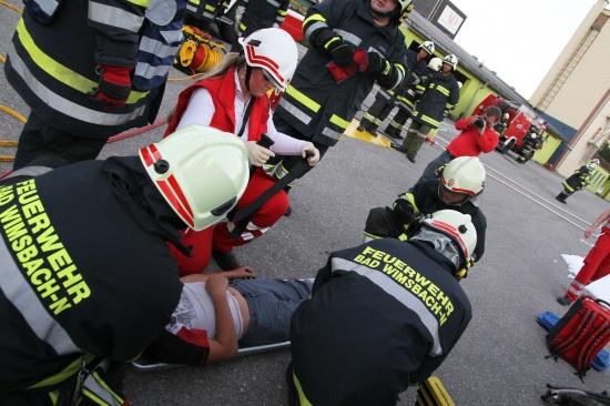 Feuerwehr und Rotes Kreuz übten Großeinsatz in Gewerbegebiet