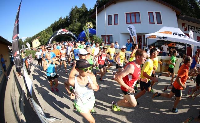 """Viele Läuferinnen und Läufer beim zweiten """"PenneRUN 6.0"""" in Pennewang"""