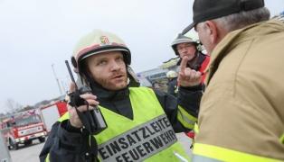 Große Einsatzübung der Feuerwehr bei Eventausstatter in Pichl bei Wels