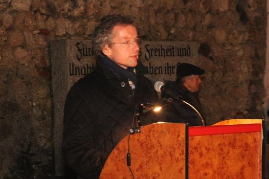 Franz Welser-Möst sprach bei Gedenkkundgebung in Wels