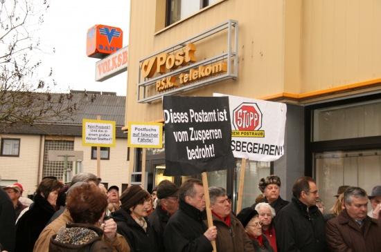 Protest gegen Postamtschließung