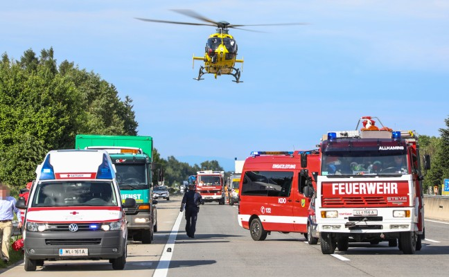 Tödlicher Unfall: Mitarbeiter eines Abschleppunternehmens auf Westautobahn von Auto erfasst