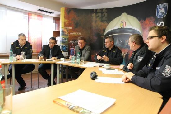Freiwillige Feuerwehr Wels präsentierte Tätigkeitsbericht für 2011