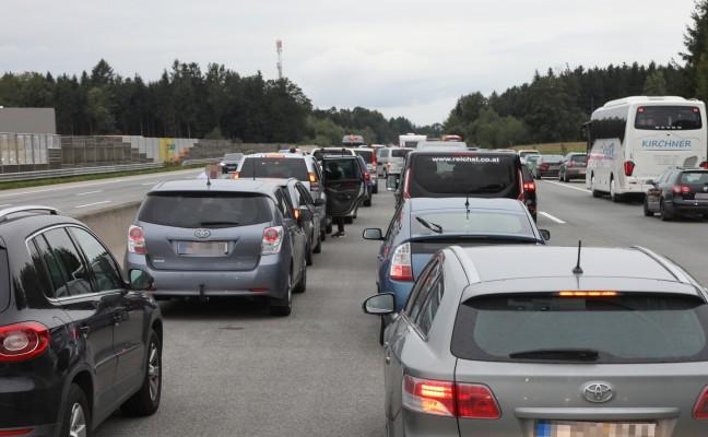 Notarzthubschrauber bei Verkehrsunfall auf der Westautobahn in Sipbachzell im Einsatz